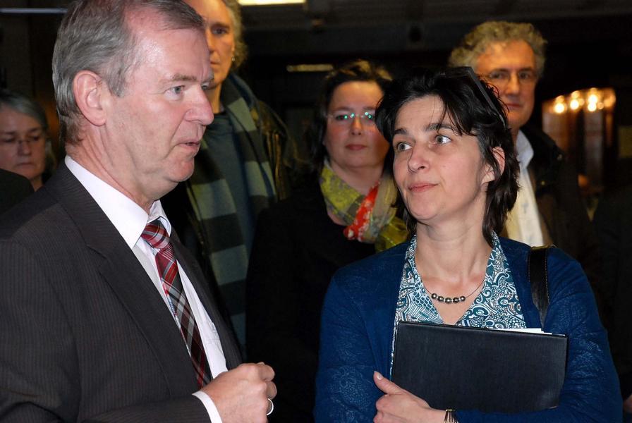 Kreiskrankenhaus-Geschäftsführer Joachim Finklenburg und NRW-Gesundheitsministerin  Barbara Steffens