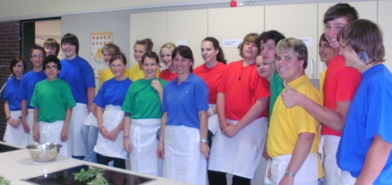 Projekt zur gesunden Ernährung erfolgreich abgeschlossen: Waldbröler Schüler in der Lehrküche