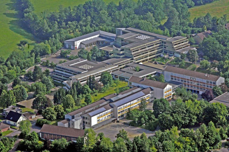 Blick auf das Waldbröler Schulzentrum aus der Vogelperspektive (Foto: Friederike Klein)