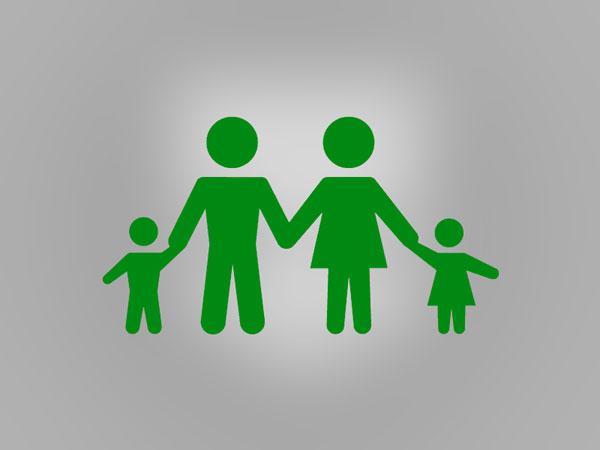 Symbolfoto Eltern mit Kindern