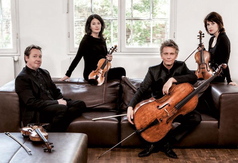 Das Minguet Quartett: Ulrich Isfort (Violine I), Annette Reisinger (Violine II), Aroa Sorin (Viola) und Matthias Diener (Violoncello)
