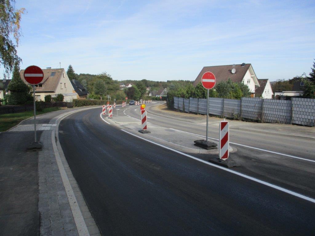 Halbseitige Sperrung der Morsbacher Straße aufgehoben