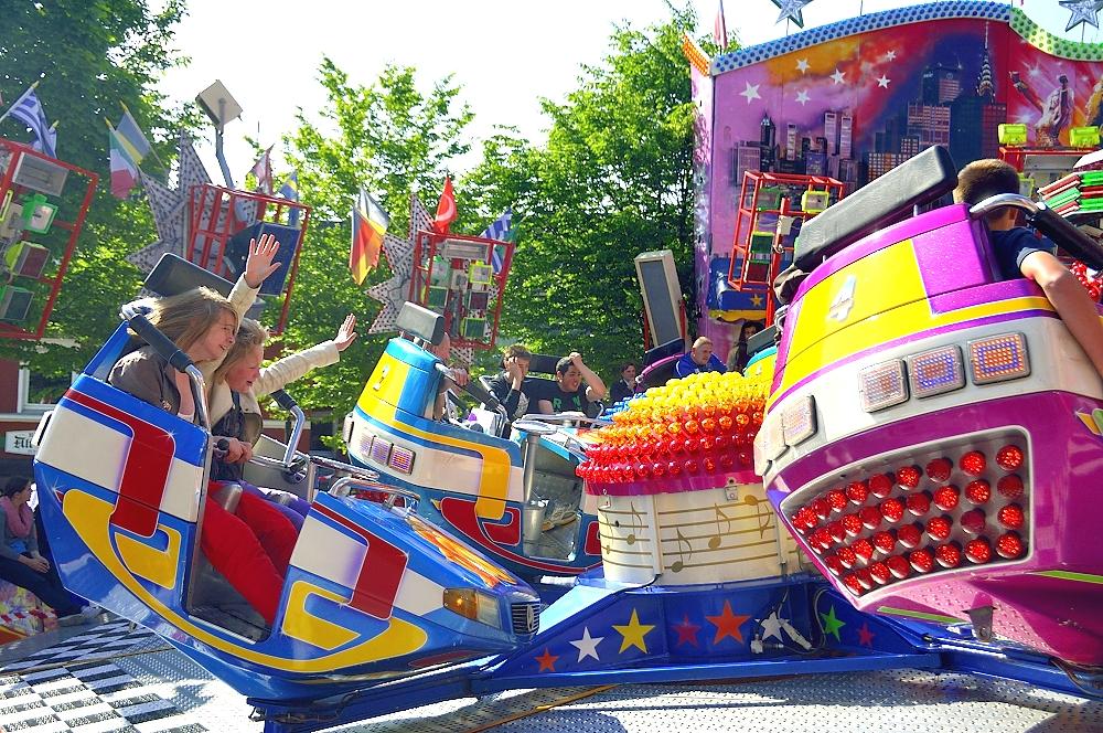 Stadtfest 2012 - Begeisterung auf den Fahrgeschäften Auch die Jüngsten kamen auf ihre Kosten Die Geininger begeisterten mit hochwertigster Oberkrainer-Musik