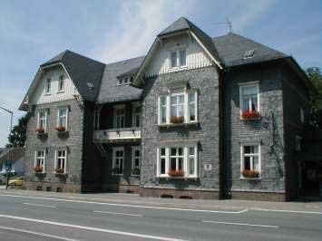 Das Waldbröler Bürgerhaus an der Kaiserstraße beherbergt die Stadtbücherei