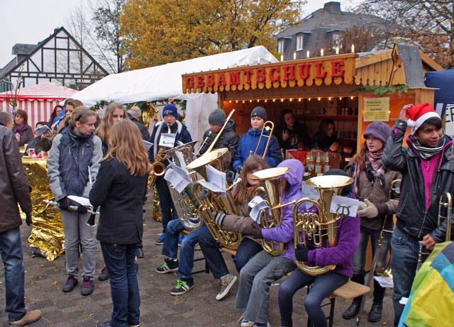 Stand der Gesamtschule Waldbröl auf dem Weihnachtsmarkt 2011