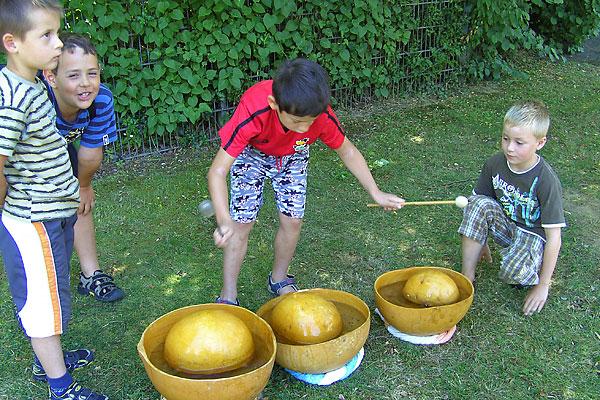 Kinder beim Ferienprogramm der Ev. Kirchengemeinde Waldbröl