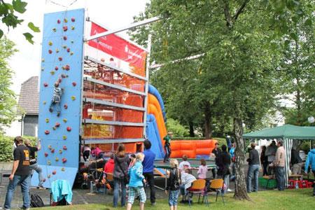 Mit dem »Multitower« kommt zur Eröffnung des Ferienprogramms 2013 wieder jede Menge Action & Spaß für Kinder nach Waldbröl